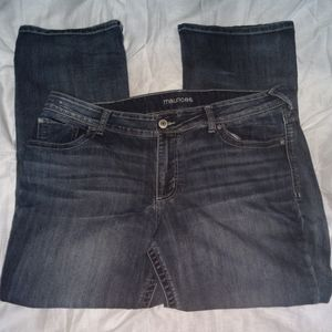 🌺MAURICE'S plus size jeans. Size 18w  short. 🌺